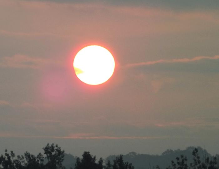 sunrise-haze-summer-red