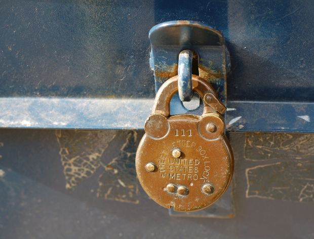 Old Fashioned Lock by ladyheart on Morguefile.com