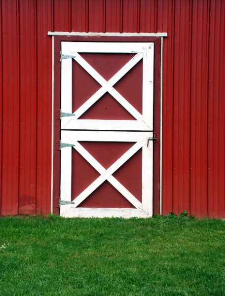 Red Barn Door by penywise at Morguefile.com