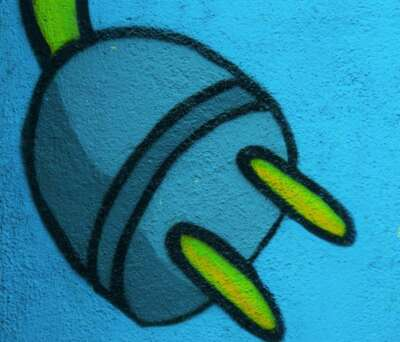 spray-paint-plug-morguefile